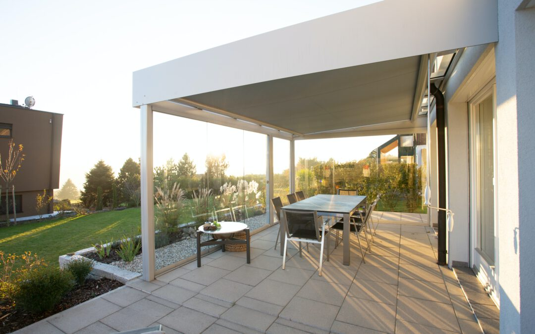 Drie redenen om een terrasoverkapping in jouw tuin te plaatsen